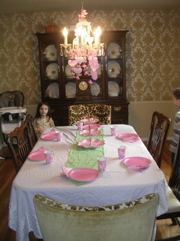 birthday-ella-4th-table