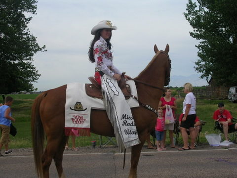 July 4 2009 parade rodeo queen